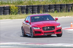 Nuova Jaguar XE: berlina compatta, guida sportiva - image 1_midi on http://auto.motori.net