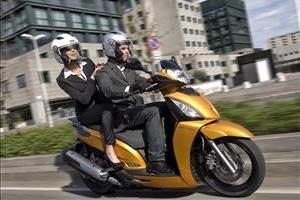 Libretto d'Uso e Manutenzione Kymco People GT 300i ABS 2014 - image 1_midi on http://moto.motori.net