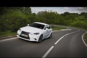 Lexus IS 300h: l'alternativa ibrida alle tedesche - image 1_midi on https://motori.net