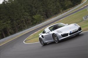 """La nuova 911 GT3 RS sfida l'""""Inferno verde"""" stabilendo un tempo di 6:56.4 minuti - image 1_midi on http://auto.motori.net"""