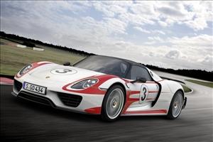 Porsche 918 Spyder: alta tecnologia artigianale - image 1_midi on https://motori.net