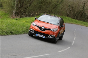 Captur Sport Edition completa il rinnovo della gamma crossover Renault - image 1_midi on http://auto.motori.net